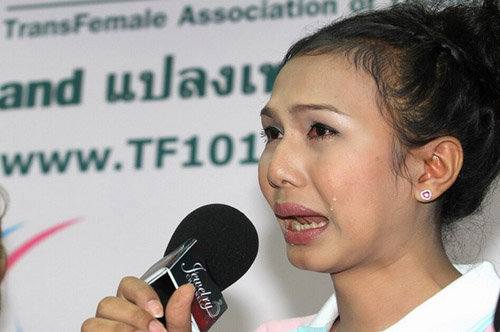 100-nguoi-chuyen-gioi-thai-lan-tu-hoi-de-xin-dao-keo-mien-phi-7.jpg
