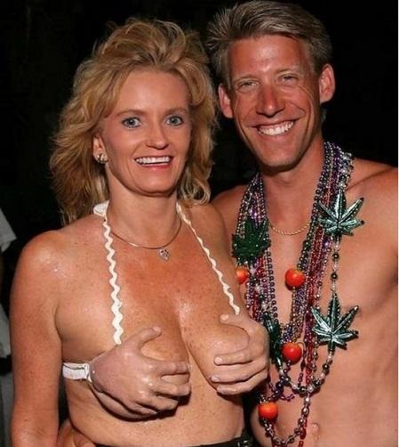 bo-bikini-gay-soc-4.jpg