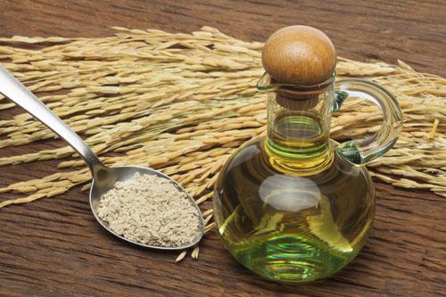 Cách phá tàn nhang tại nhà với dầu cám gạo