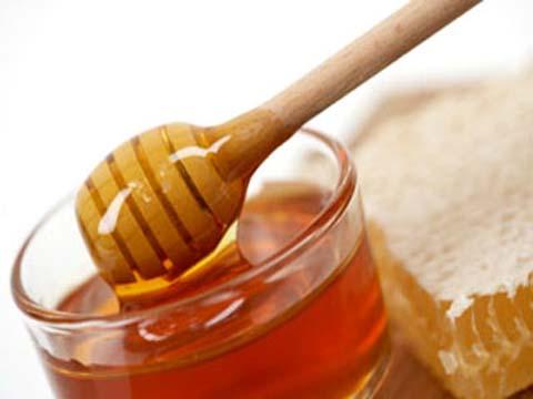 Xóa tàn nhang trên mặt hiệu quả với mật ong
