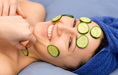 Bật mí một số mặt nạ làm căng da mặt có thể tự làm tại nhà