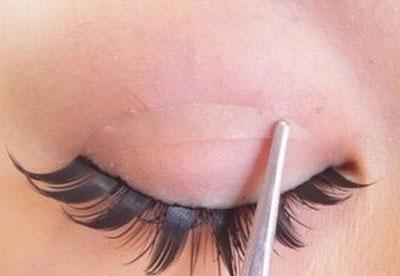 Những sai lầm khi làm đẹp khiến mắt bị đe dọa